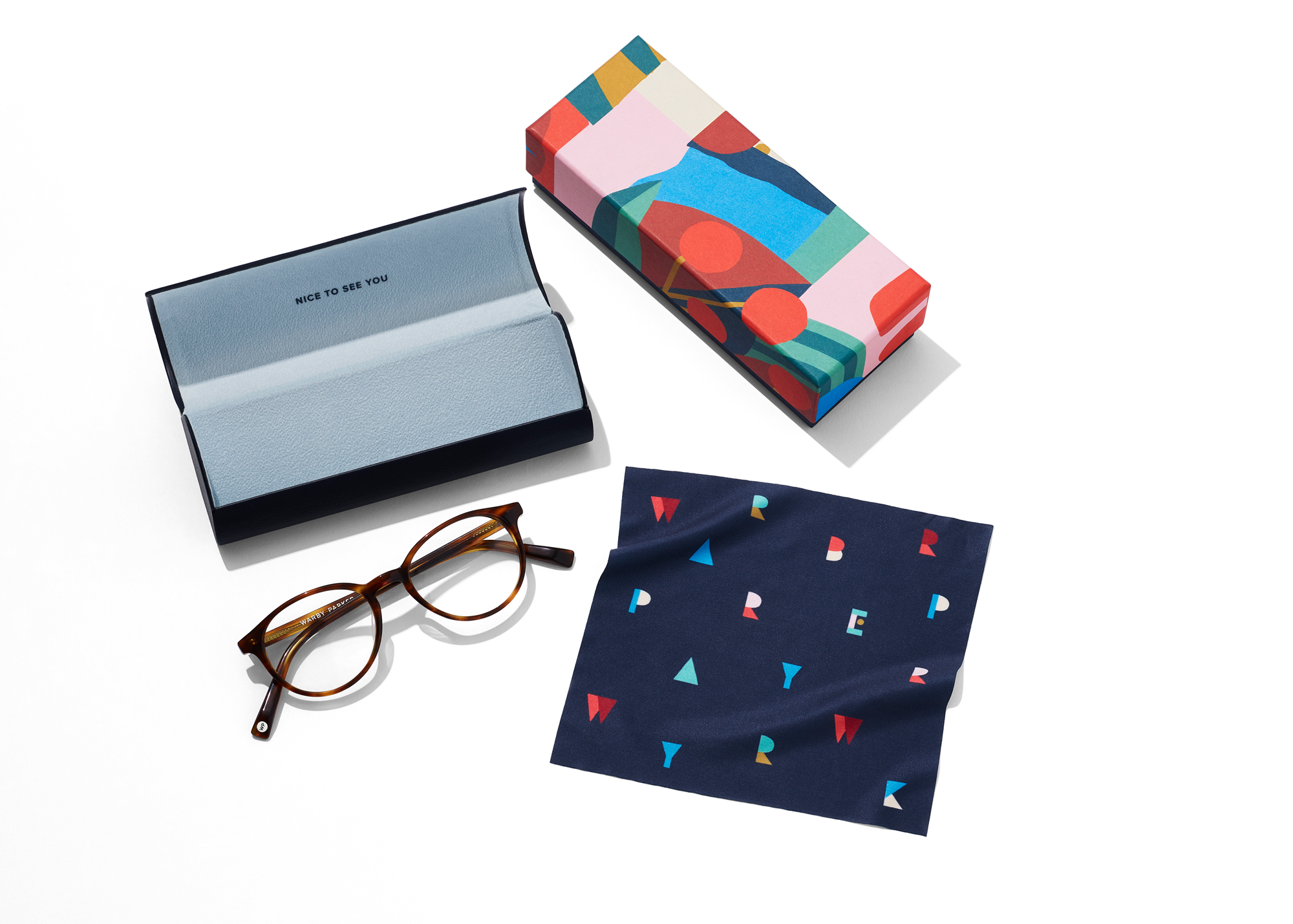 FINAL_Holiday19-lookbook-EyewearBoxOPTICAL_0028_OA_WP_Cloth_COMP_150dpi